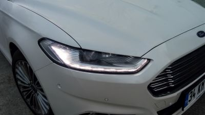 ford-mondeo-2-0-tdci-titanium-on-far