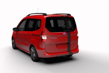 Yeni Ford_Tourneo_Courier_Blackline_2