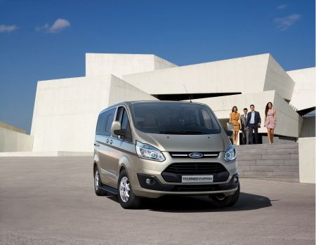 Ford Tourneo Custom_1