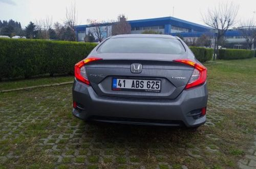 Honda Civic Sedan-arka